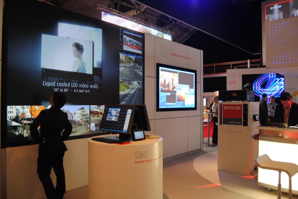 Barco presenta en ISE sus pantallas LCD-LED para salas de control