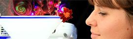 Desarrollan una innovadora pantalla interactiva para manejar hologramas en el aire