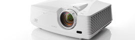 Mitsubishi Electric introduces three new projectors for education and business environment