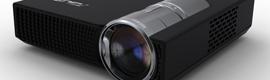 ASUS presenta un nuevo proyector LED de bolsillo muy manejable