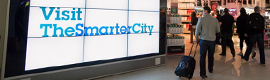 IBM muestra su campaña 'The Smarter City' en el Monster Wall Interactivo del aeropuerto de Manchester