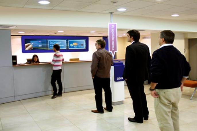 El bbva escoge a john ryan para gestionar su canal de for Oficinas bbva almeria