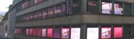 El edificio Manor de Basilea se convierte en un vídeo wall de 51 pantallas