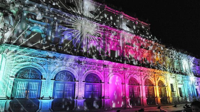 Espect culo de luz y sonido en 3d en la fachada del - Iluminacion sevilla ...