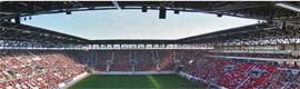 El estadio del FC Ausburg implanta un sistema de videovigilancia de Avigilon