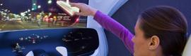 Mercedes-Benz incorpora un sistema de realidad aumentada a los parabrisas de los automóviles