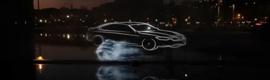 BMW se lanza al Manzanares con un espectáculo holográfico