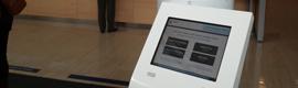 Innovae Vision dota al ambulatorio Amara Berri de un kiosco interactivo para la gestión de colas