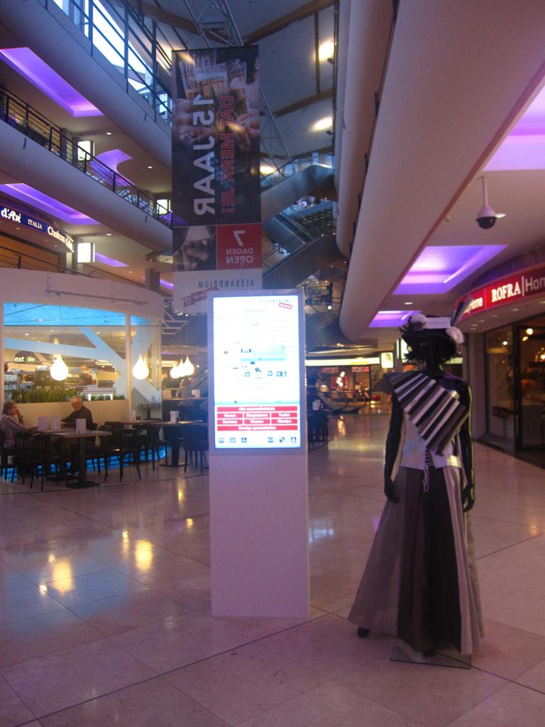 Interactive Digital Kiosks For The Shopping Centre