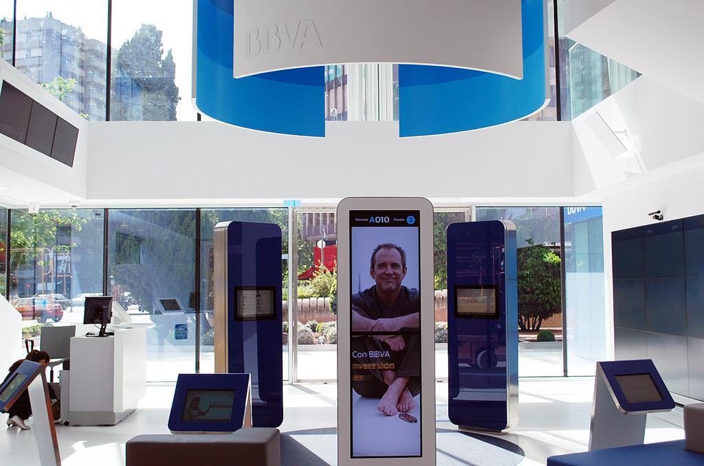 Bbva presenta su visi n del banco del futuro con un nuevo for Oficinas bbva toledo