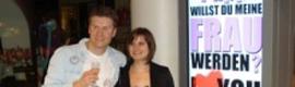 Un berlinés echa mano del digital signage para proponerle matrimonio a su novia