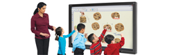 Smart presenta la pantalla plana interactiva Smart Board 8055i para entornos educativos