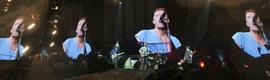 La pantalla de vídeo LED semitransparente Linx 12F de Radiant, en la gira de Coldplay
