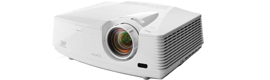 New Mitsubishi FD730U projector projecting large format images in Full HD
