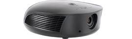 Runco amplía la serie LightStyle con el proyector de alto brillo LS-10HBd