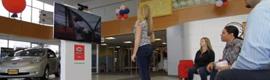 Nissan experimenta con una sala de exposición virtual que utiliza Kinect de Microsoft