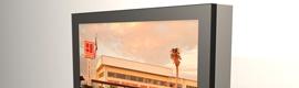 YESCO presenta una nueva línea de sistemas LCD interactivos para kioscos de exterior