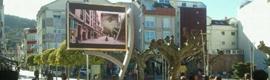 El municipio pontevedrés de Bueu estrena una moderna pantalla multimedia
