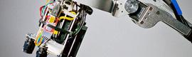 LuminAR, un nuevo sistema que convierte cualquier superficie en una pantalla táctil
