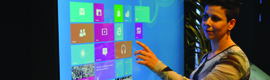 MultiTouch lanza los primeros displays interactivos de 42″ y 55″ completamente integrados con Windows 8