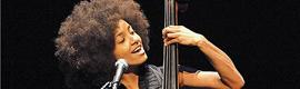 Esperanza Spalding elige el micrófono DPA d: facto para todas sus voces en directo