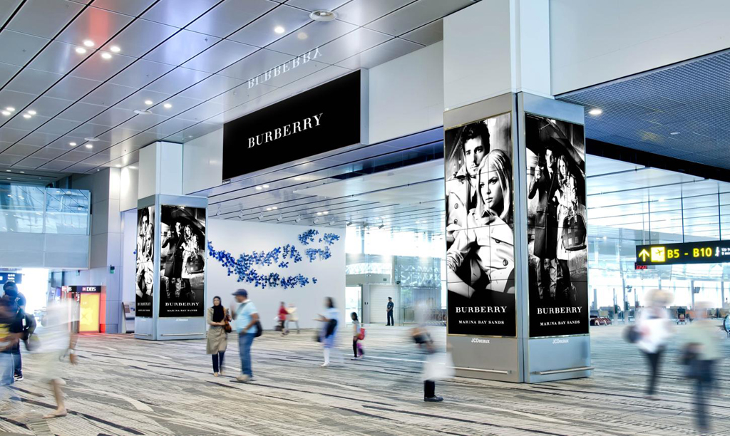 Jcdecaux Provides Innovative Digital Columns With A