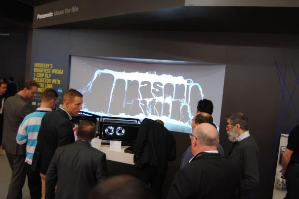Proyectores Panasonic 1 chip DLP en ISE 2013