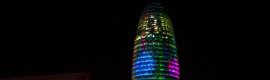 La Torre Agbar de Barcelona recibe al nuevo año con una iluminación especial