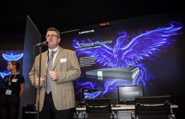 Presentación de Christie Phoenix en ISE 2013