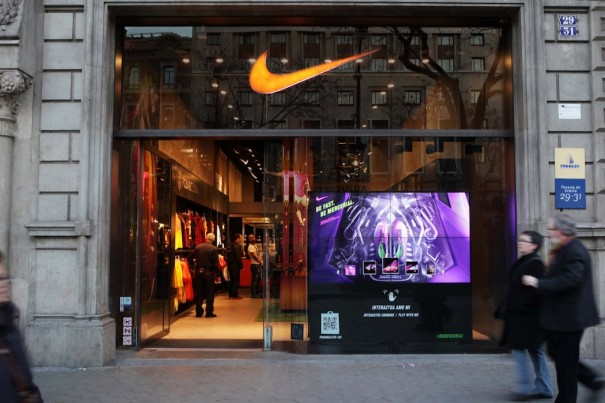 Sayhi Livingwall  en el Nike Flagship (Barcelona)