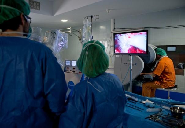 Retransmisión 3D en directo en el Hospital de Bellvitge (Foto: Ditec)