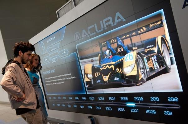 Christie Microtiles en el stand de Acura en MIAS 2012
