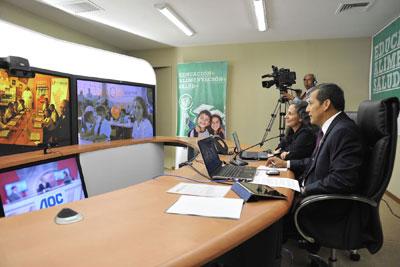 El presidente Ollanta Humala Tasso  en la sala Cisco CTS3000 (Foto: Agencia Andina)