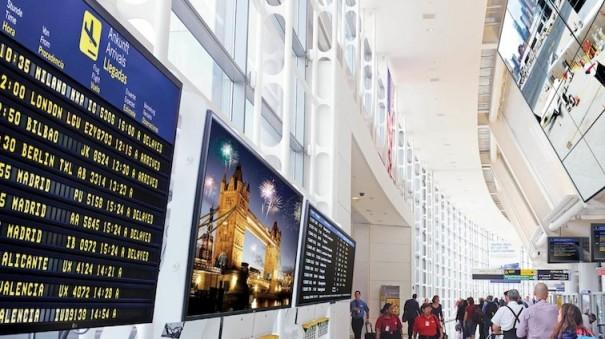 LG en aeropuerto