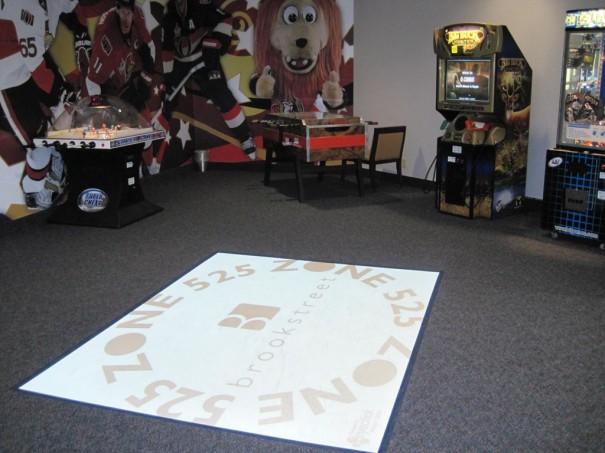 Hotel Brookstreet Sala de Juegos con EyePlay