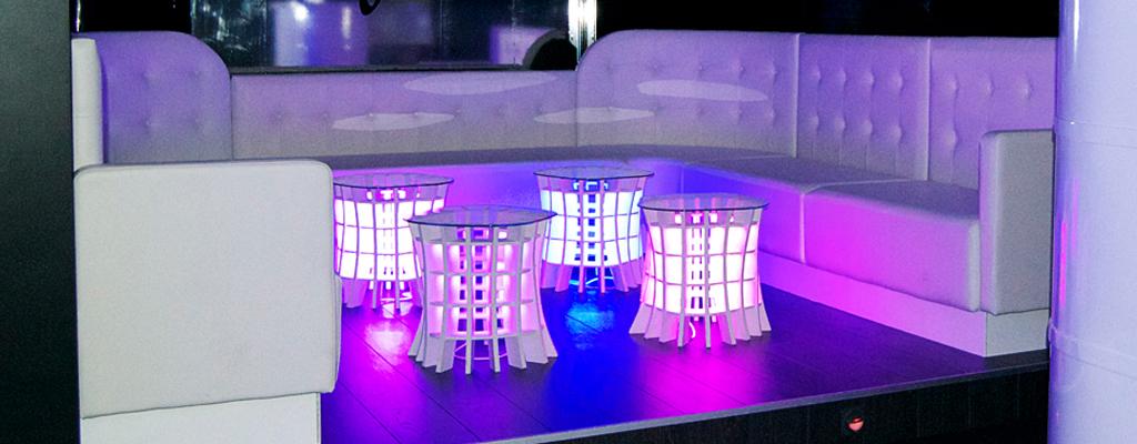 la iluminacin creativa y original de insense marca ambiente en el london bar de salceda