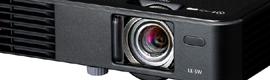 Canon LE-5W es un proyector portátil 3LED idóneo para digital signage en puntos de venta