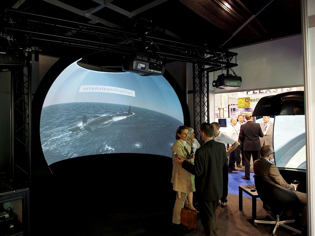 Displays Simulation Shows Their Screens Immersive Viewing