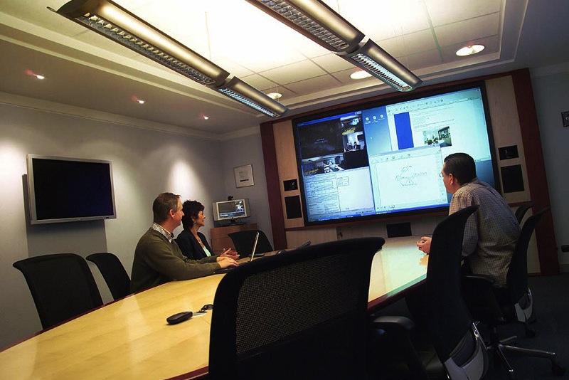 La sala de reuniones del futuro ser totalmente digital en for Sala de reuniones
