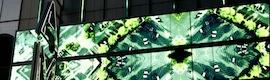 'Mirror': un gigantesco espejo Led que responde a los cambios en tiempo real de la ciudad de Seattle