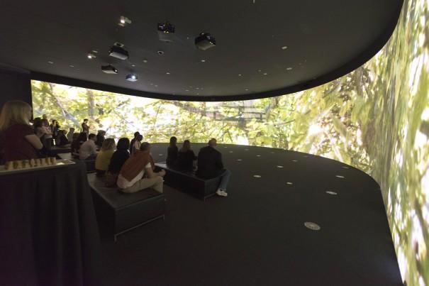 Acciona crea instalacion audiovisual en Monet Garden