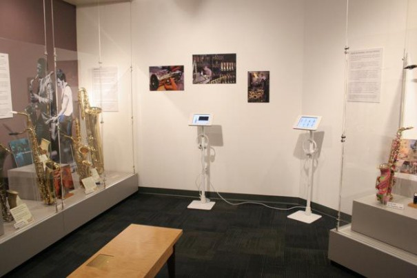 Kiosko iPad lilitab en Museum of Making Music Carlsbad