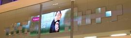 Cineplex Digital Solutions transforma la fachada del banco canadiense Scotiabank en un lienzo digital con MicroTiles