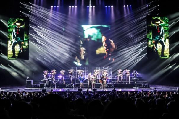 Luces Robe en concierto del mexicano Alejandro Fernandez