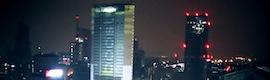 La torre Pirelli de Milán se transforma con un espectacular videomapping 3D de Recipient.cc para Adidas