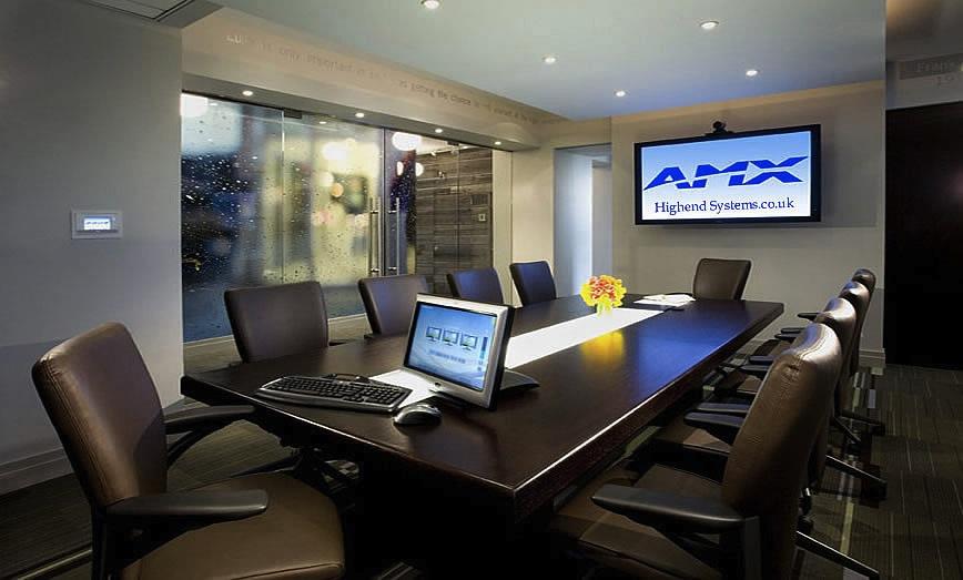 Amx rpm 2 0 facilitates the configuration of av of the for Sala de reuniones