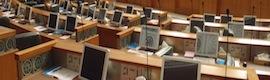 La Asamblea Nacional de Kuwait elige las pantallas Desktop de Arthur Holm por su diseño y prestaciones