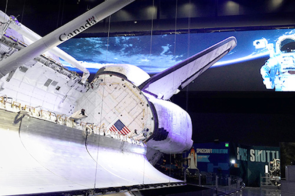 Pantalla LED Delta Products en Space Shuttle Atlantis