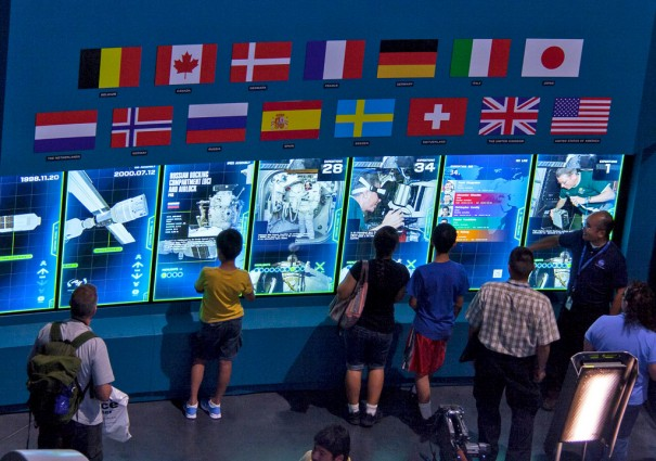 Pantallas MultiTouch en el Space Shuttle Atlantis