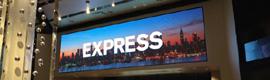 Express instala dos pantallas de gran formato de D3 en su nueva tienda de San Francisco